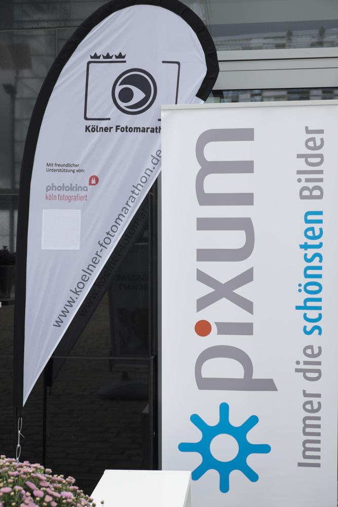 Roll-Up von Pixum und Beachflag vom Kölner Fotomarathon